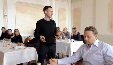 ATT Schüler beim Traden lernen in Wien